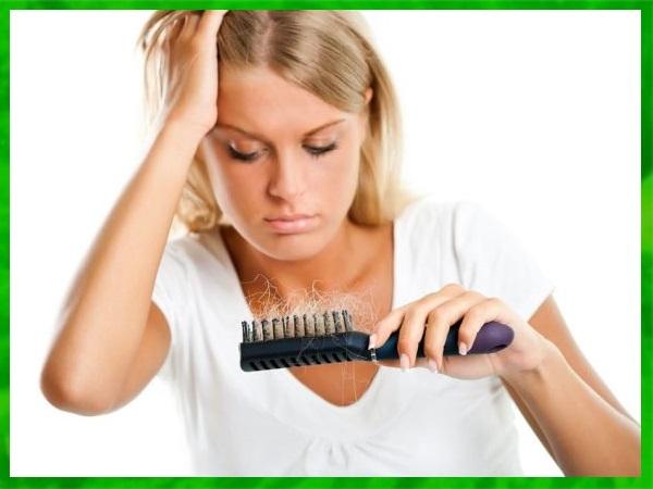 Почему лезут волосы у ребенка причины и способы лечения